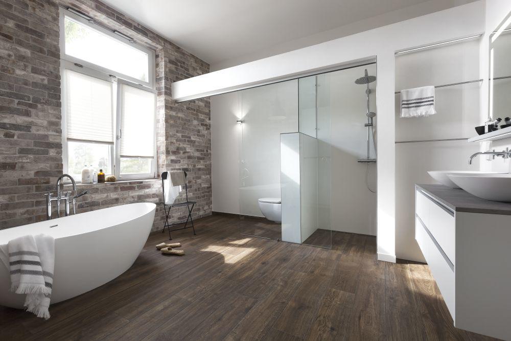 badezimmer mit akzent kirchg ssner komplettb der wohnraumrenovierung. Black Bedroom Furniture Sets. Home Design Ideas